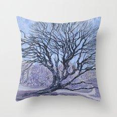 Queen & Glen Manor Throw Pillow
