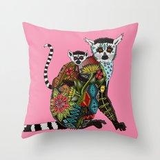 ring tailed lemur love pink Throw Pillow