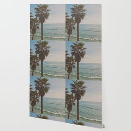 palm tree and ocean. California Vacation Wallpaper