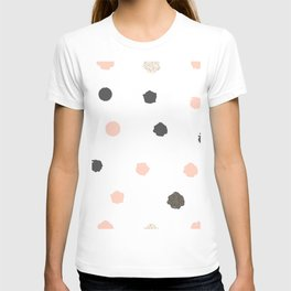 Seamless Pattern with dots of rose pink and black T-shirt
