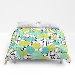Fashion trends , polka dot 4 Comforters