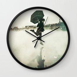 La danse de la pluie Wall Clock