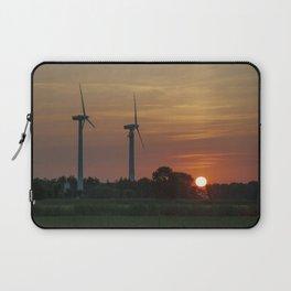 Windräder im Sonnenuntergang Horumersiel Laptop Sleeve