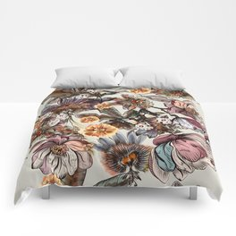 Tropical pattern with passionflower and magnolia flowers Comforters
