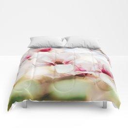 Sweet Magnolia Comforters