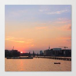 berlin kreuzberg -  skyline, sunset, river and boats Canvas Print