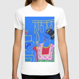 FRIDA KAHLO AND HER KNIFE T-shirt