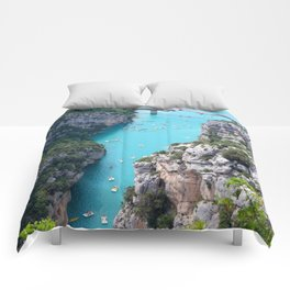 Cliffs And Tosca Comforters