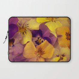 Viola bed. Laptop Sleeve