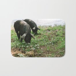 Pigs Snacking Bath Mat