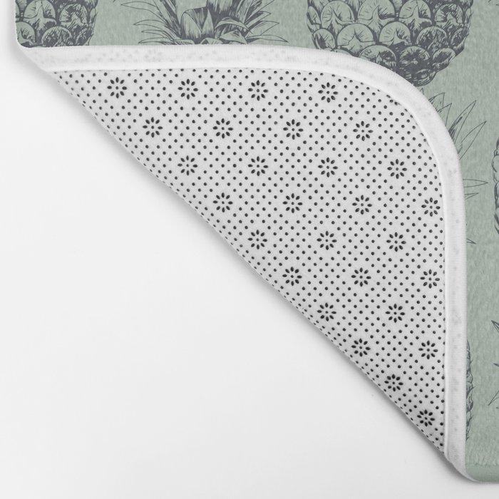 Pineapple, tropical fruit pattern design Bath Mat