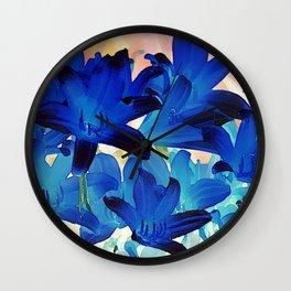 Lilien in Art Wall Clock