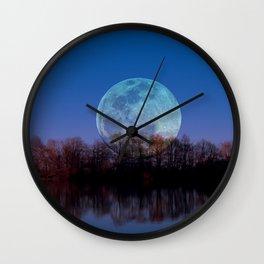 Luna arborum a tergo Wall Clock
