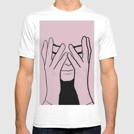 Hiding T-shirt