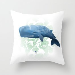 Power swimmer of the oceans Throw Pillow