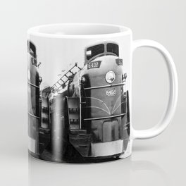 Three of a Kind Train Locomotives - Trois locomotives du même genre  Coffee Mug