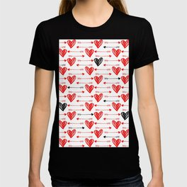 White background decorated with hearts and red and black arrows T-shirt