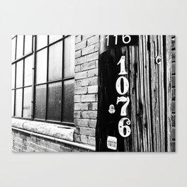 1076 Canvas Print