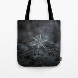 Real snowflake photo - Stars in my pocket like grains of sand Tote Bag