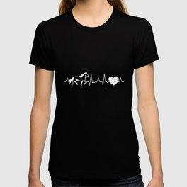 Icelandic horse heartbeat tölt rider gift idea T-shirt