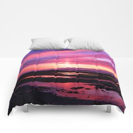 Red Haven Comforters