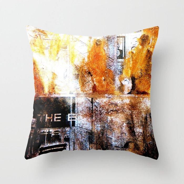 Dead girls : Ghost World Throw Pillow