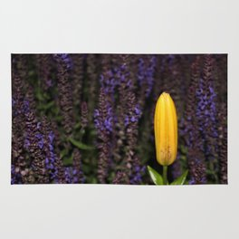 Unbloomed Lily Rug