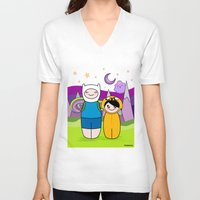 finn and jake V-neck T-shirts featuring Kokeshis Finn&Jake by Pendientera