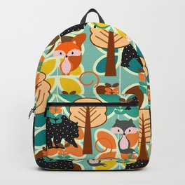 Magical forest with foxes and bears Backpack