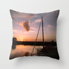 River Thurne Sunset Throw Pillow