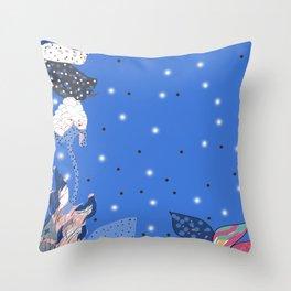 reve bleu Throw Pillow