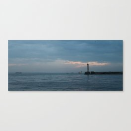 The sea talks it s note Canvas Print