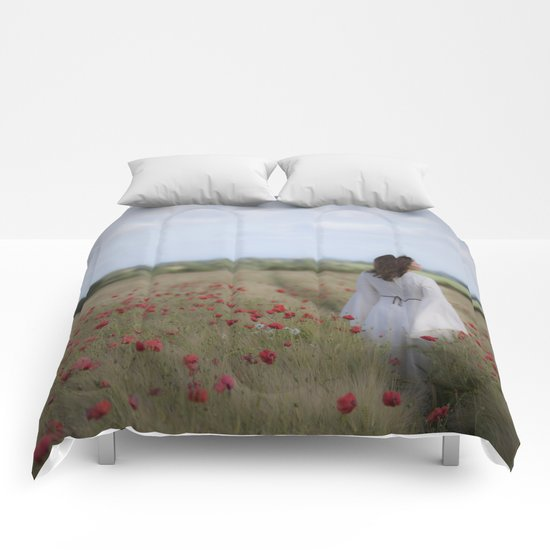 Dreaming in the field Comforters