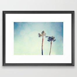 Dos garras Framed Art Print
