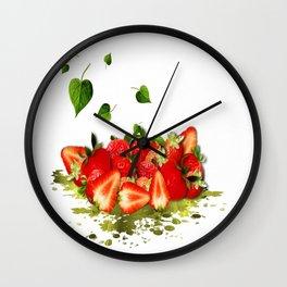 Erdbeeren Wall Clock