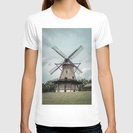 Fabyan Windmill Historic Dutch Holland Style Geneva Illinois T-shirt