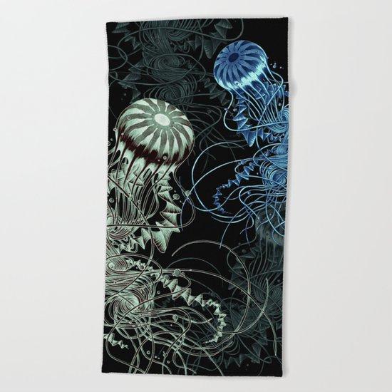 Chrysaora hysoscella (Dark) Beach Towel