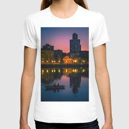 Night boating T-shirt