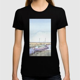 River bank boats - Landscape - Ria de Aveiro , Portugal T-shirt