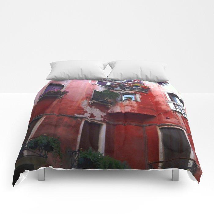 Red Villa, Rome Comforters