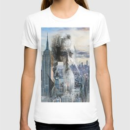 Old man in New York T-shirt