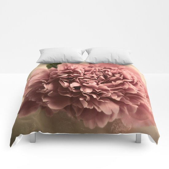 Shabby Peony  Comforters