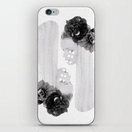 selene and eos (black and white) iPhone Skin