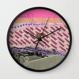 Saluti Dal Futuro 118 Wall Clock