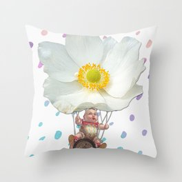 BALLON Throw Pillow