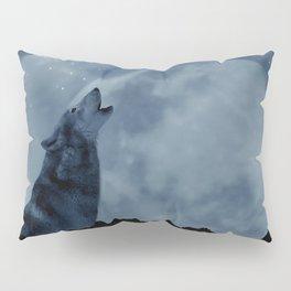 Wolf howling at full moon Pillow Sham