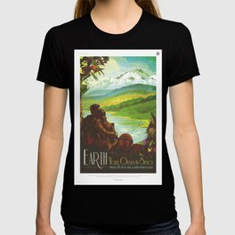 Earth Retro Space Poster T-shirt