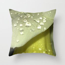 Daffodil 1 Throw Pillow