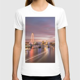 On the Thames - London T-shirt