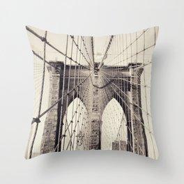 Brooklyn bridge, New York city, black & white photography, wall decoration, home decor, nyc fine art Throw Pillow